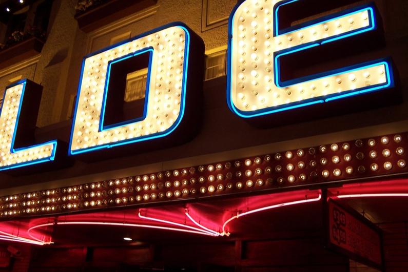 online casino builders review