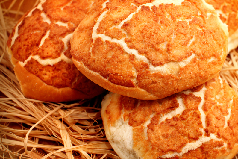 Tiger Rolls Bread on the dried straw
