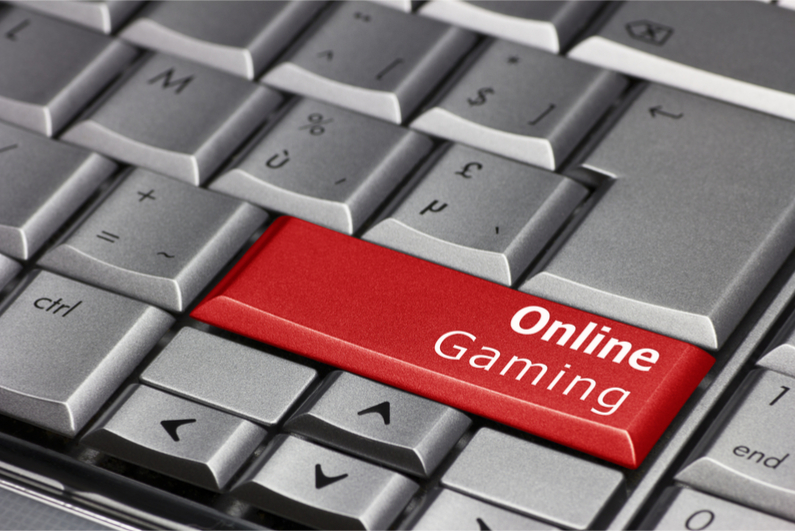 Computer key that says Online Gaming