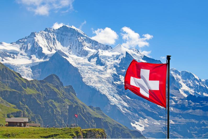 Flag of Switzerland atop Mannlichen