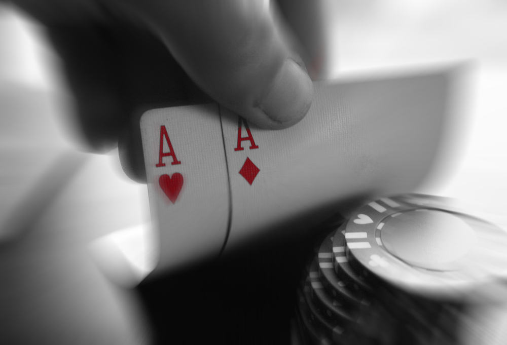 poker-chips-and-aces