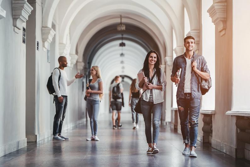 students-walking-in-university-hall