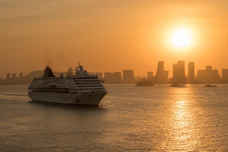Star Cruises cruise ship Gemini arriving in Xiamen