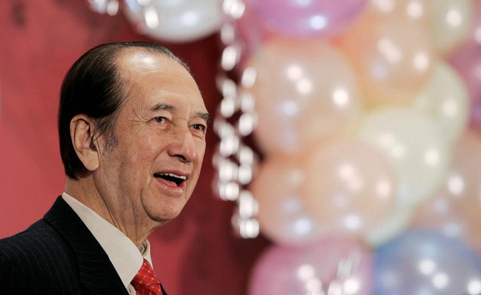 Gambling tycoon Stanley Ho dies aged 98