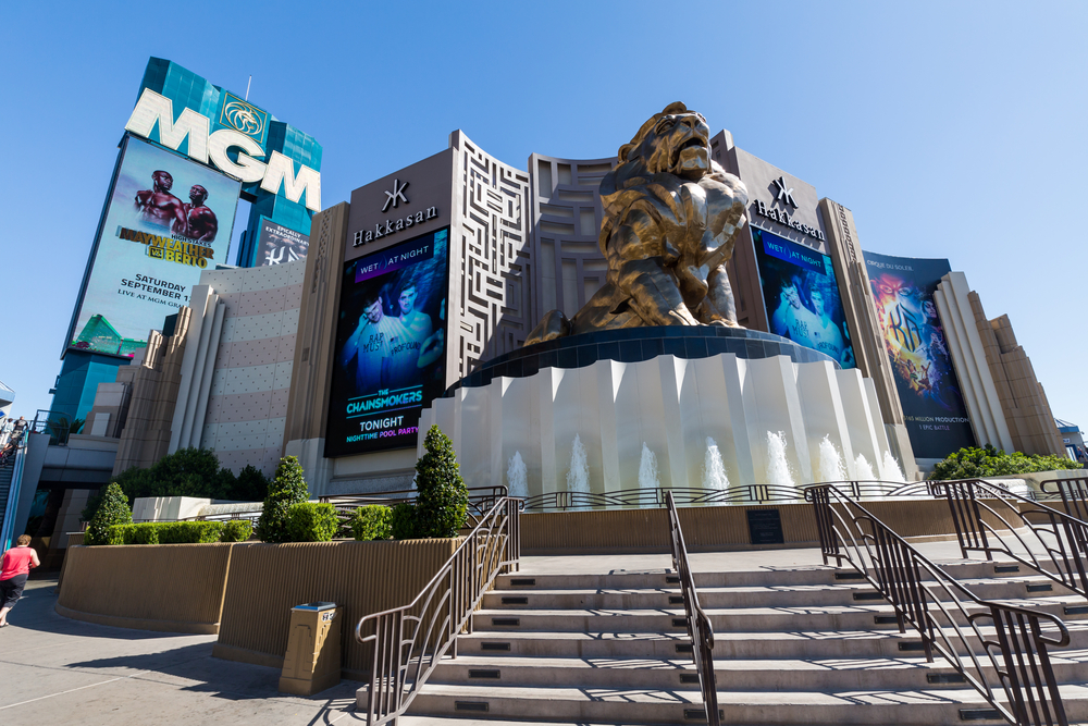 MGM Grand Casino and lion statue on the Las Vegas Strip