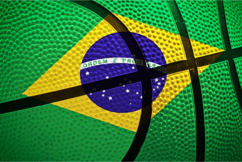 Basketball painted like the Brazilian flag