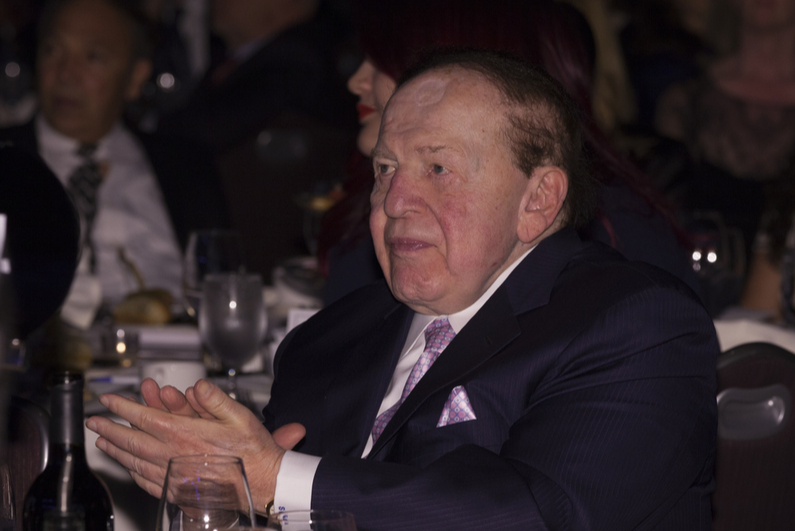 Sheldon Adelson clapping