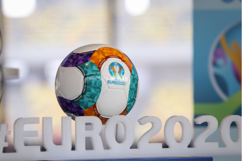 Euro 2020 logo and game ball
