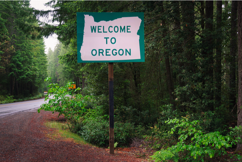 Welcome to Oregon highway sign