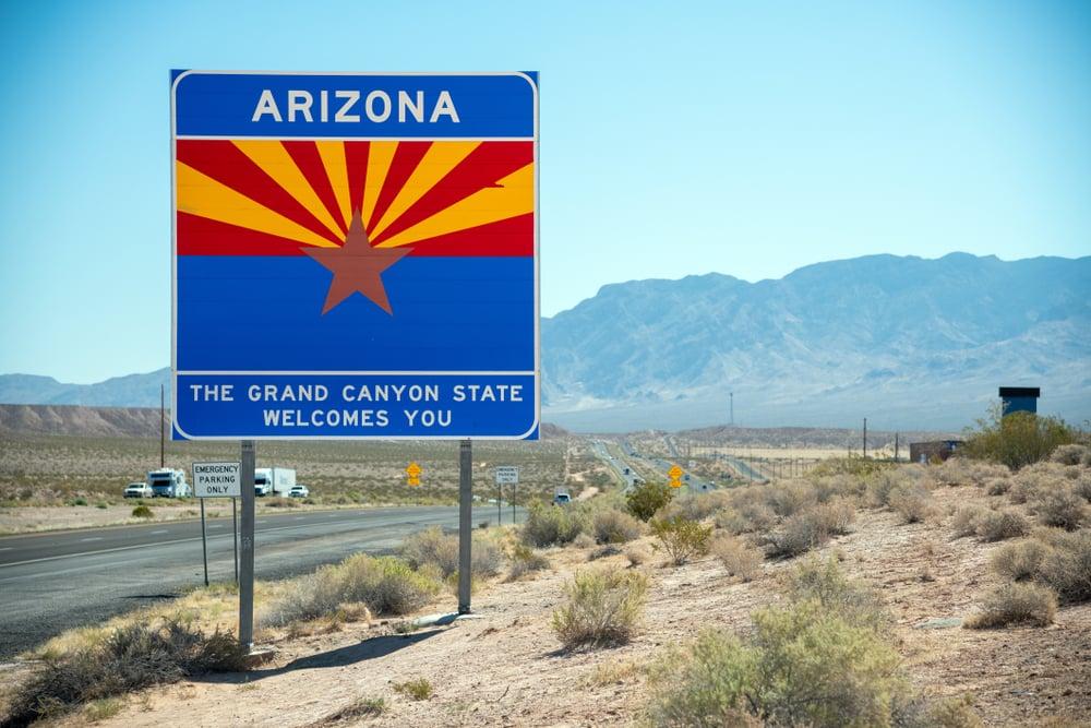Arizona welcome road sign
